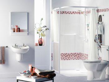Dusche und Badezimmer